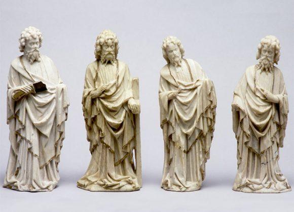 Apôtres en albâtre