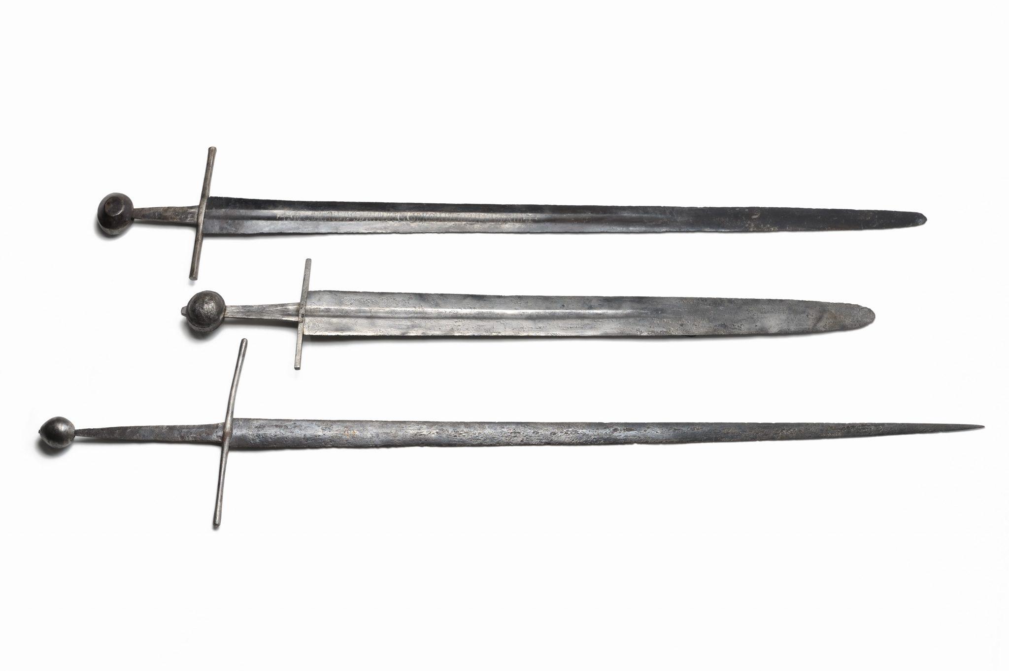 Épées de taille et d'estoc