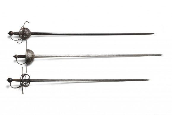 Epées squelette, a taza et rapière, 17e siècle